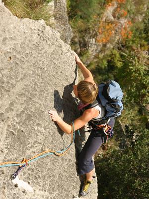 hypoglycemia, woman, rock-climbing